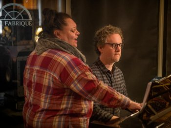 "Видео уроки - MixWithTheMasters Greg Wells Keala Settle ""Hands Tied"" Producing A Track #1"